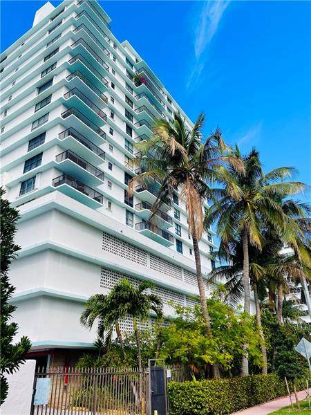 1800 Collins Ave 3J, Miami Beach, FL 33139 (MLS #F10273490) :: Berkshire Hathaway HomeServices EWM Realty