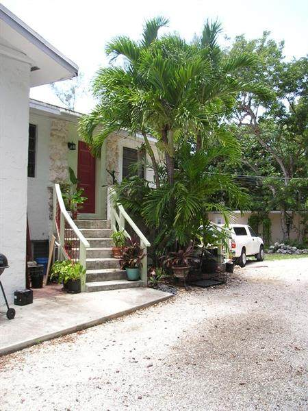 7 Sunset Rd, Other City - Keys/Islands/Caribbean, FL 33037 (#F10273600) :: Posh Properties