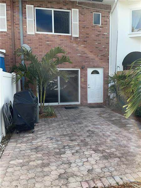 6 Heathcote Rd #6, Wilton Manors, FL 33305 (MLS #F10274319) :: Berkshire Hathaway HomeServices EWM Realty
