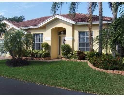 3631 Sahara Springs Blvd, Pompano Beach, FL 33069 (MLS #F10274359) :: Castelli Real Estate Services