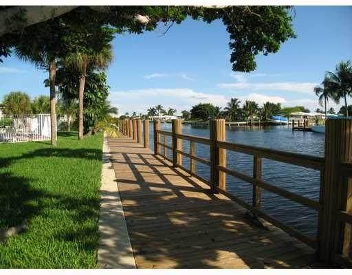 251 SE 6th Ave #5, Pompano Beach, FL 33060 (#F10275490) :: The Rizzuto Woodman Team