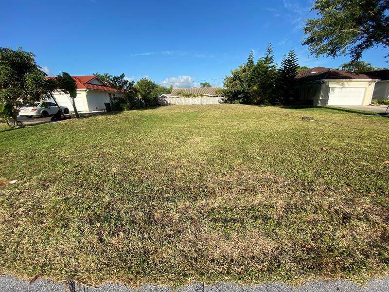 7537 Country Club Blvd - Photo 1