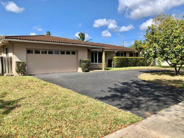 6901 NW 6th Ct, Plantation, FL 33317 (MLS #F10278133) :: The Jack Coden Group