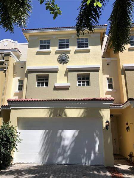 1324 NE 26th Ave, Fort Lauderdale, FL 33304 (MLS #F10279078) :: Berkshire Hathaway HomeServices EWM Realty