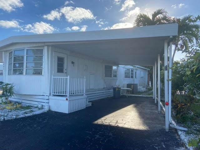 5590 Lakeshore Dr, Fort Lauderdale, FL 33312 (MLS #F10280335) :: Lucido Global