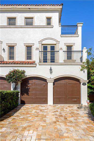 103 Hendricks Isle #103, Fort Lauderdale, FL 33301 (MLS #F10280453) :: Castelli Real Estate Services