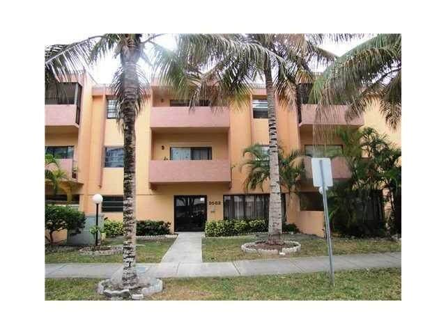 3582 NE 171st St #206, Miami, FL 33160 (MLS #F10280658) :: Castelli Real Estate Services