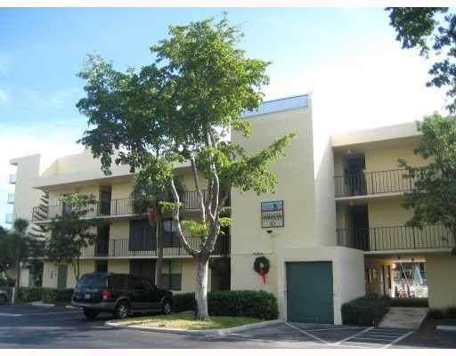 10 Royal Palm Way #201, Boca Raton, FL 33432 (#F10280768) :: Ryan Jennings Group