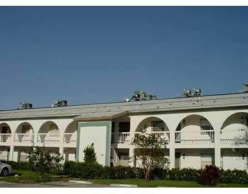 1202 Bahama Bnd H1, Coconut Creek, FL 33066 (#F10282454) :: Signature International Real Estate