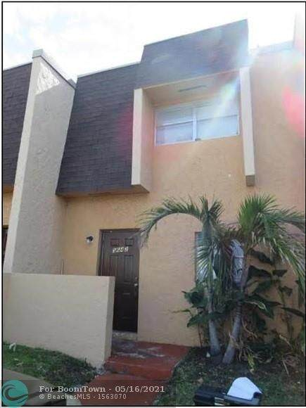 5642 Blueberry Ct #10, Lauderhill, FL 33313 (MLS #F10284706) :: Berkshire Hathaway HomeServices EWM Realty