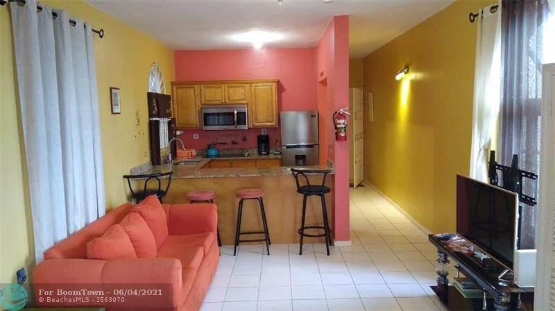 23 Columbus Heights Jamaica - Photo 1