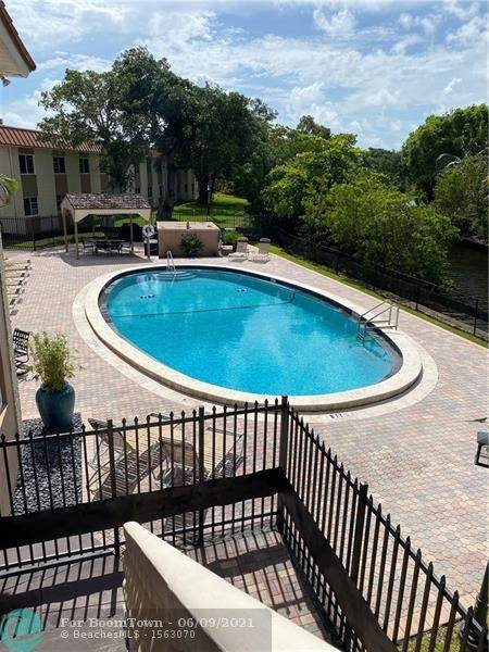 12 NE 19th Ct 206A, Wilton Manors, FL 33305 (MLS #F10288189) :: Castelli Real Estate Services