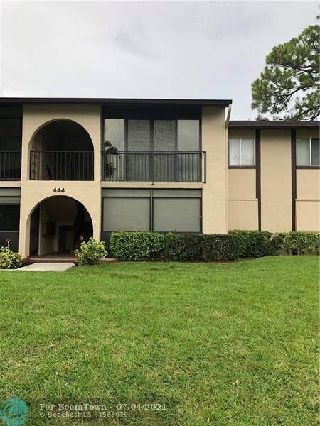 444 Pine Glen Ln D-2, Green Acres, FL 33463 (#F10291250) :: The Power of 2 | Century 21 Tenace Realty