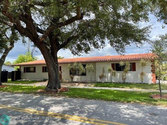 118 N 50th Ave, Hollywood, FL 33021 (MLS #F10293132) :: The Howland Group
