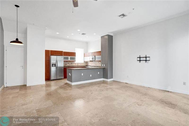 791 4th Ave - Photo 1