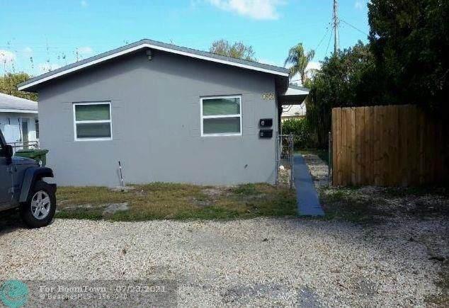 1051 SW 32nd Ct, Fort Lauderdale, FL 33315 (MLS #F10293907) :: The Paiz Group