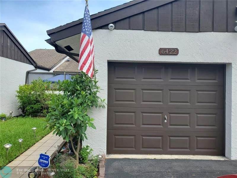 6422 Pinehurst Cir - Photo 1