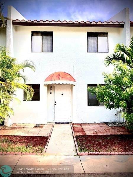 2512 N 38th Ave #2512, Hollywood, FL 33021 (MLS #F10294794) :: Berkshire Hathaway HomeServices EWM Realty