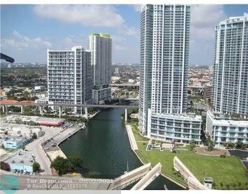 31 SE 5 ST #3005, Miami, FL 33131 (MLS #F10295376) :: Berkshire Hathaway HomeServices EWM Realty