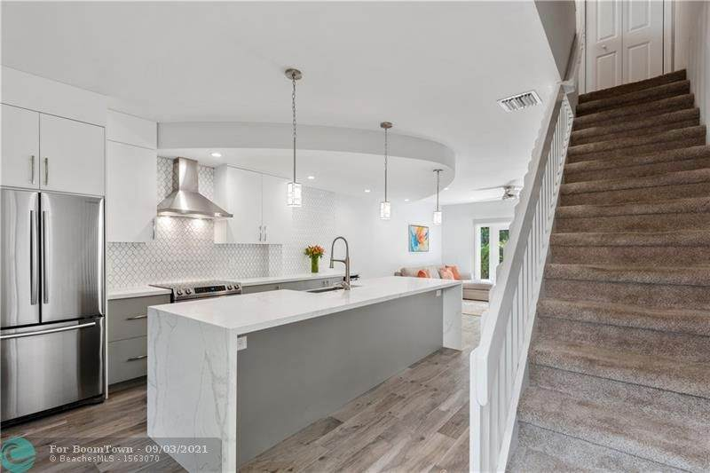 1301 Bayview Dr - Photo 1