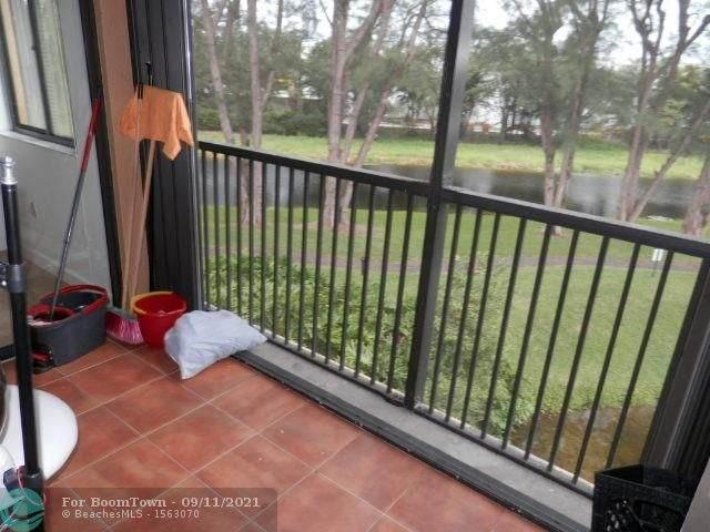 15499 Miami Lakeway 304-5, Miami Lakes, FL 33014 (MLS #F10300438) :: Berkshire Hathaway HomeServices EWM Realty