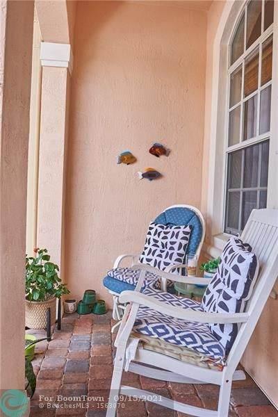 2863 SW 85th Ave #104, Miramar, FL 33025 (MLS #F10300919) :: Berkshire Hathaway HomeServices EWM Realty
