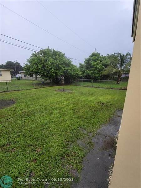 2637 NW 7th St, Pompano Beach, FL 33069 (MLS #F10301326) :: Castelli Real Estate Services
