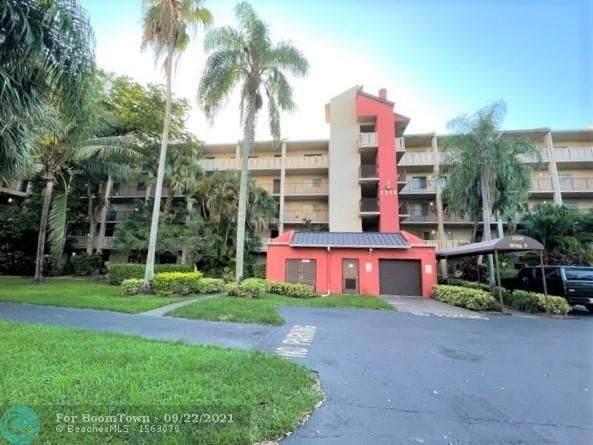 2208 S Cypress Bend Dr #104, Pompano Beach, FL 33069 (MLS #F10301828) :: Adam Docktor Group