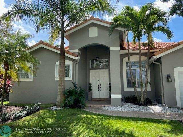 1374 Ginger Cir, Weston, FL 33326 (MLS #F10301848) :: Berkshire Hathaway HomeServices EWM Realty