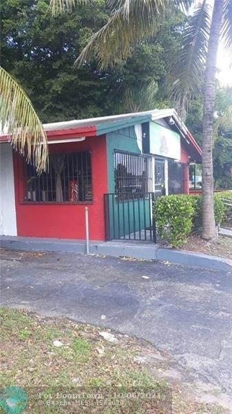 2941 W Sunrise Blvd, Fort Lauderdale, FL 33311 (MLS #F10303550) :: The MPH Team
