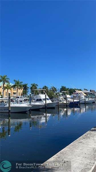 720 E Ocean Ave #203, Boynton Beach, FL 33435 (MLS #F10304446) :: The DJ & Lindsey Team