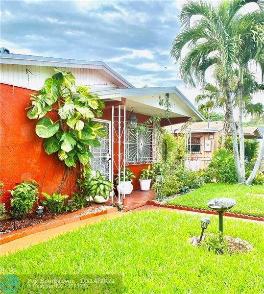 3240 Thomas Ave, Miami, FL 33133 (#F10304502) :: DO Homes Group