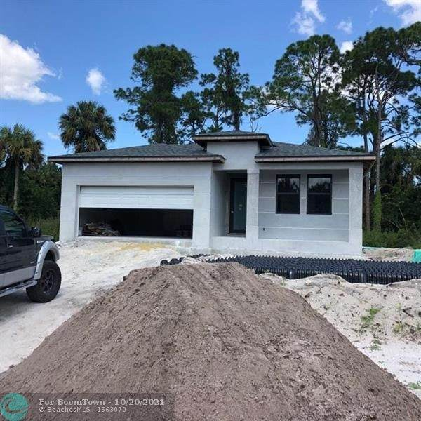 3704 Tracy, Other City - In The State Of Florida, FL 33905 (MLS #F10305214) :: Green Realty Properties