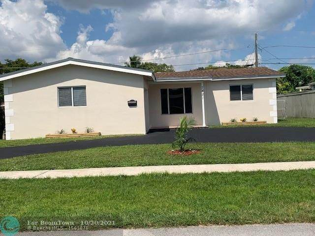 7821 NW 21st Ct, Sunrise, FL 33322 (MLS #F10305220) :: Castelli Real Estate Services