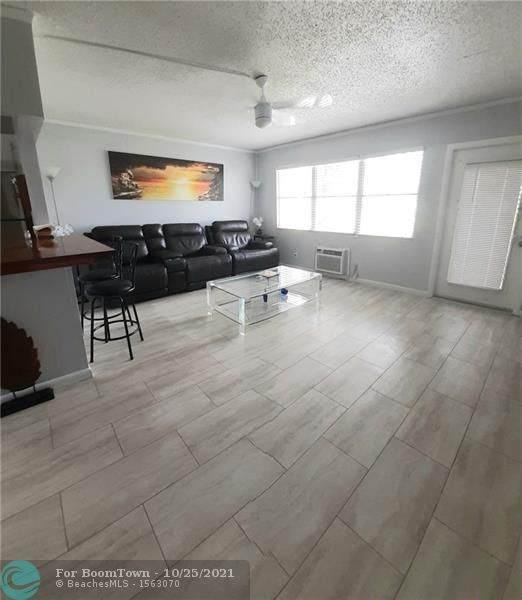 355 Oakridge T #355, Deerfield Beach, FL 33442 (MLS #F10305908) :: The MPH Team