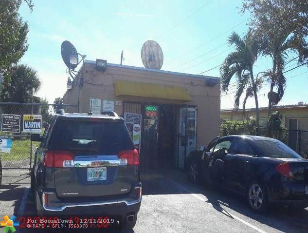 3140 NW 12th Pl, Lauderhill, FL 33311 (MLS #H10720899) :: Castelli Real Estate Services