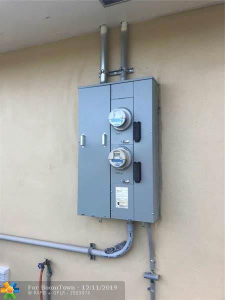 3055 NW 76th St, Miami, FL 33147 (MLS #H10733309) :: Berkshire Hathaway HomeServices EWM Realty