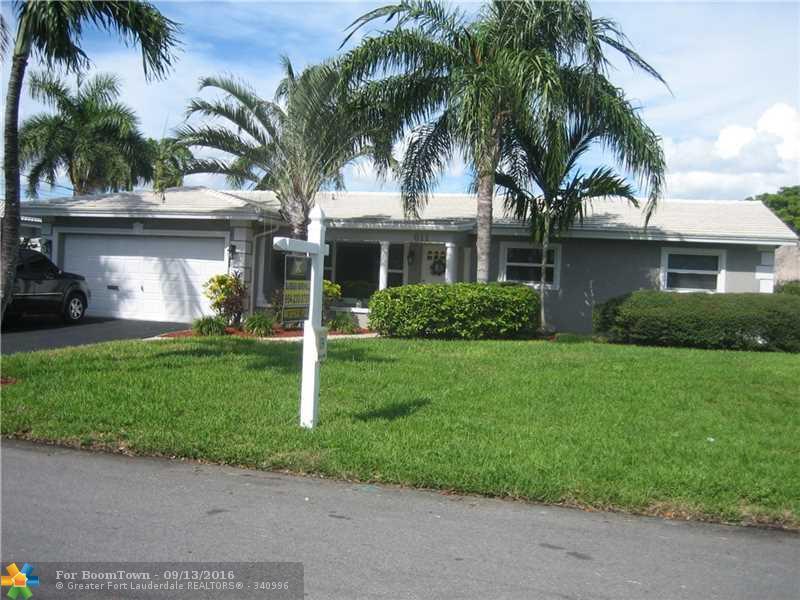 611 SE 9th Ave, Pompano Beach, FL 33060 (MLS #F10030292) :: United Realty Group
