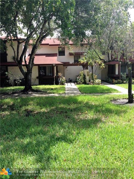 550 NW 210th St #103, Miami, FL 33169 (MLS #F10030377) :: Green Realty Properties