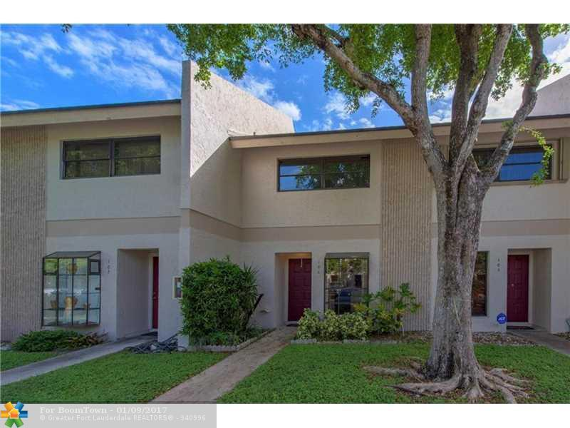 2700 S Oakland Forest Dr #106, Oakland Park, FL 33309 (MLS #F10034735) :: United Realty Group