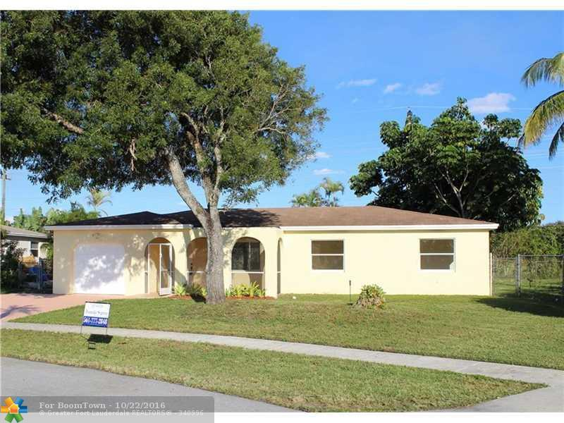 22592 Lombard Ave, Boca Raton, FL 33428 (MLS #F10036421) :: United Realty Group