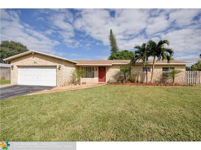 6851 SW 5th St, Margate, FL 33068 (MLS #F10036799) :: United Realty Group