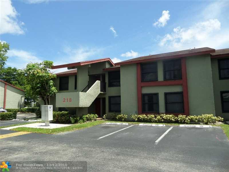 218 Lake Pointe Dr #202, Oakland Park, FL 33309 (MLS #F10037093) :: United Realty Group