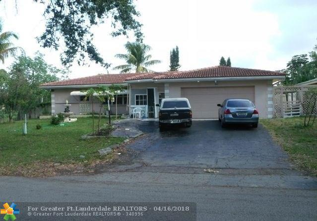 7617 NW 40th St, Coral Springs, FL 33065 (MLS #F10105020) :: Green Realty Properties