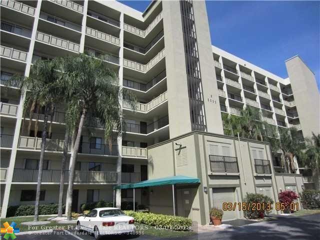 2205 S Cypress Bend Dr #203, Pompano Beach, FL 33069 (MLS #F10105113) :: Green Realty Properties