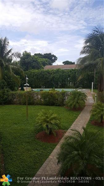 941 Crystal Lake Dr 214-C, Pompano Beach, FL 33064 (MLS #F10107485) :: Green Realty Properties