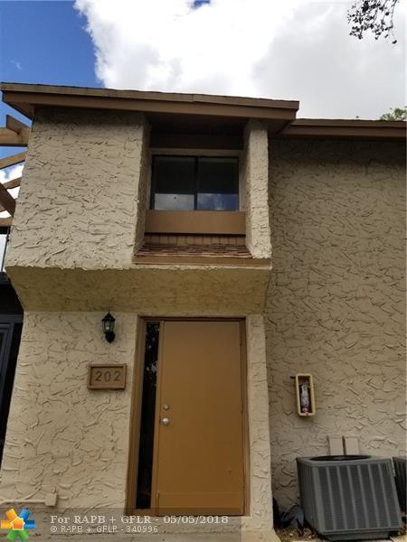 202 Wimbledon Lake Dr #202, Plantation, FL 33324 (MLS #F10118499) :: Green Realty Properties