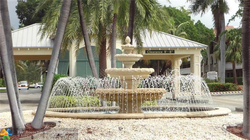 15 Royal Palm Way - Photo 1