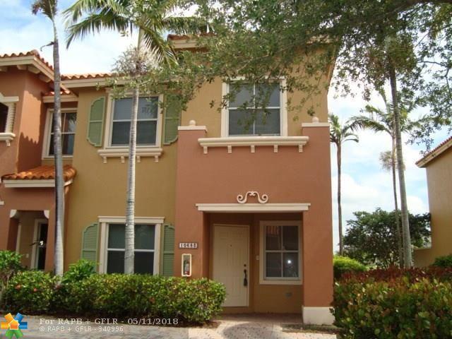 10683 SW 6th St #808, Pembroke Pines, FL 33025 (MLS #F10120675) :: Green Realty Properties