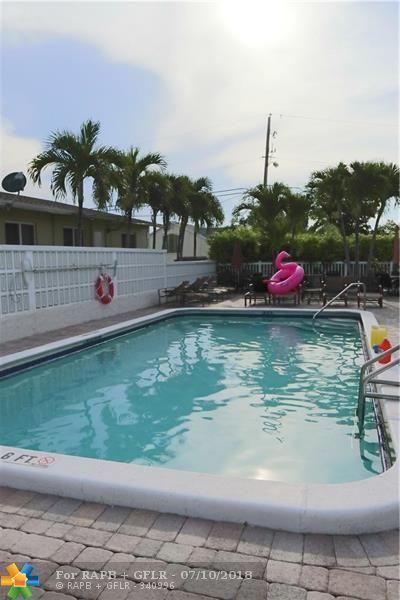 221 SE 9th Ave #111, Pompano Beach, FL 33060 (MLS #F10122453) :: Green Realty Properties